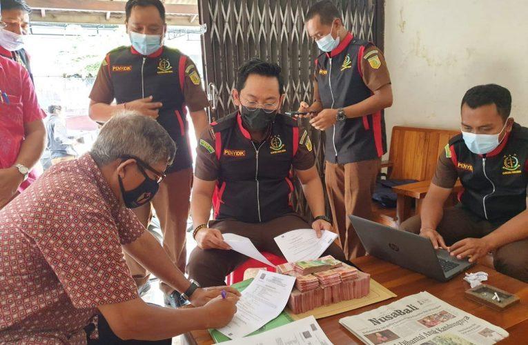 'Cium Bau Busuk', Kejari Badung Geledah Kantor Koperasi di Desa Tibubeneng