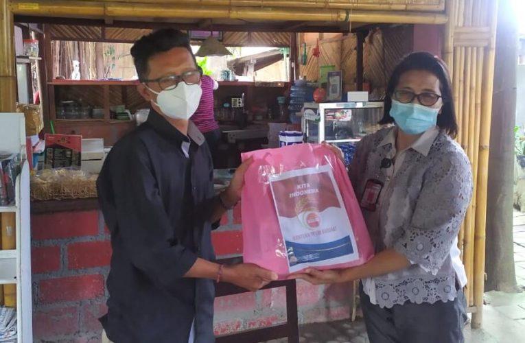 Kapolda Bali Berikan Paket Sembako untuk Awak Media di Denpasar